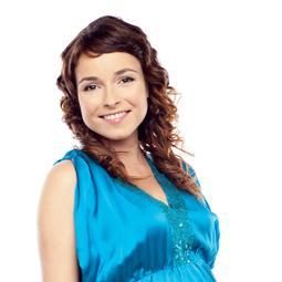 Рыжая, эгоистичная, стервозная – такими словами описывает себя популярная  телеведущая Ирена Понарошку. Пару лет назад она, известная тусовщица,  неугомонная, ... 89a091fe48c